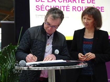 COMMUNIQUÉ DE PRESSE - Signature d'une charte d'engagement professionnel en faveur de la sécurité routière