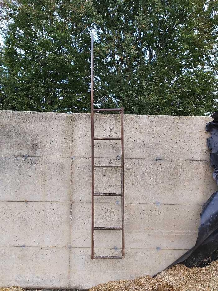 FLASH SST #5 : une échelle de silo / roulez sur les routes avec votre engin agricole / prévention risque d''asphyxie. 0